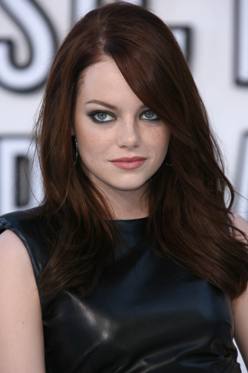 emma-stone-dark-chestnut-hair